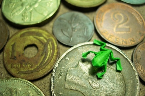 These 8 Tiny Pieces Of Origami Can Fit On A Coin