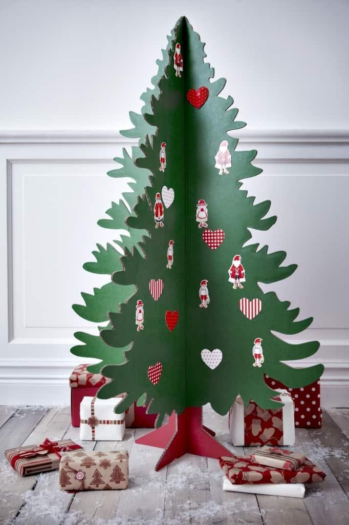 eight-incredibly-creative-alternative-diy-christmas-trees-4