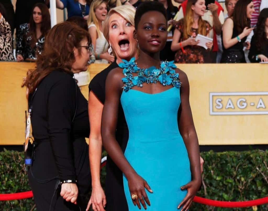 27 Best Photo bombs images | Celebrities, Celebs, Fun things