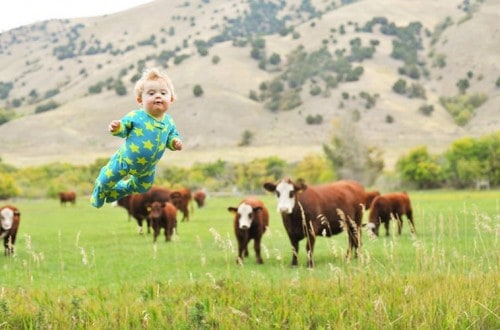 10 Photos Showing This Toddler Can Fly
