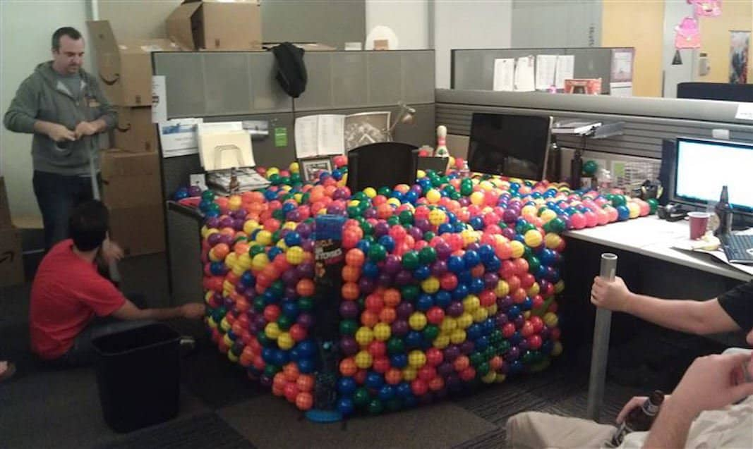 17 pictures of people that have fun at work