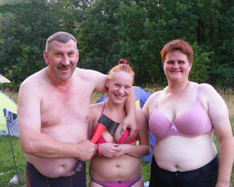 20 Family Photo Fails That Will Make You Cringe-5661