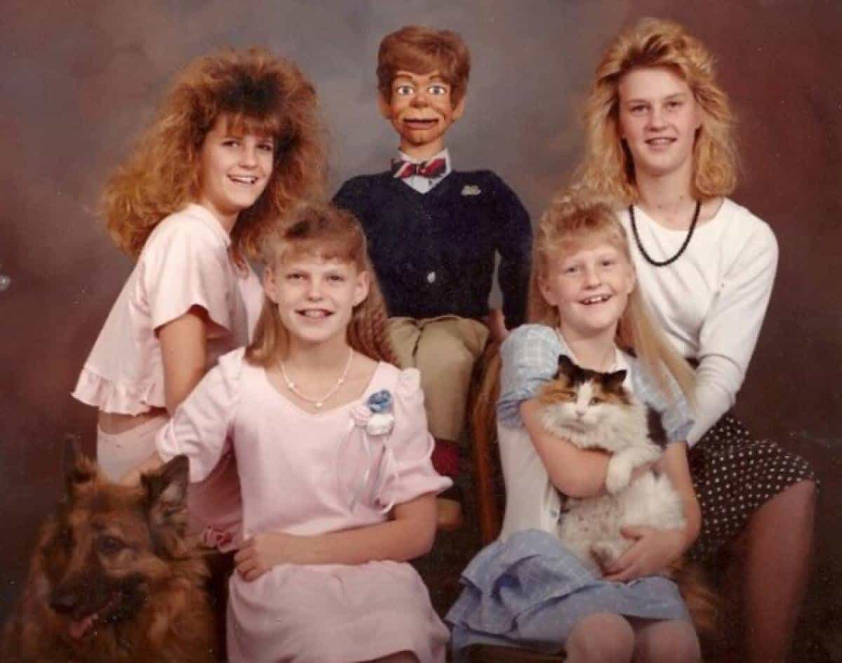 20 Family Photo Fails That Will Make You Cringe-7887