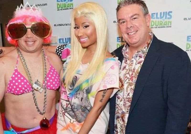 20 hilariously uncomfortable celebrity meet and greet photos nicki minaj m4hsunfo