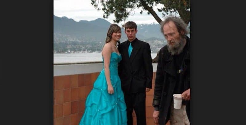 20 Prom Photo Fails That Will Make You Not Miss High School