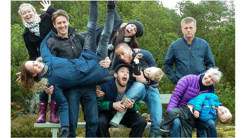 20 Awkward Family Photo Fails To Make You Tremble - Page