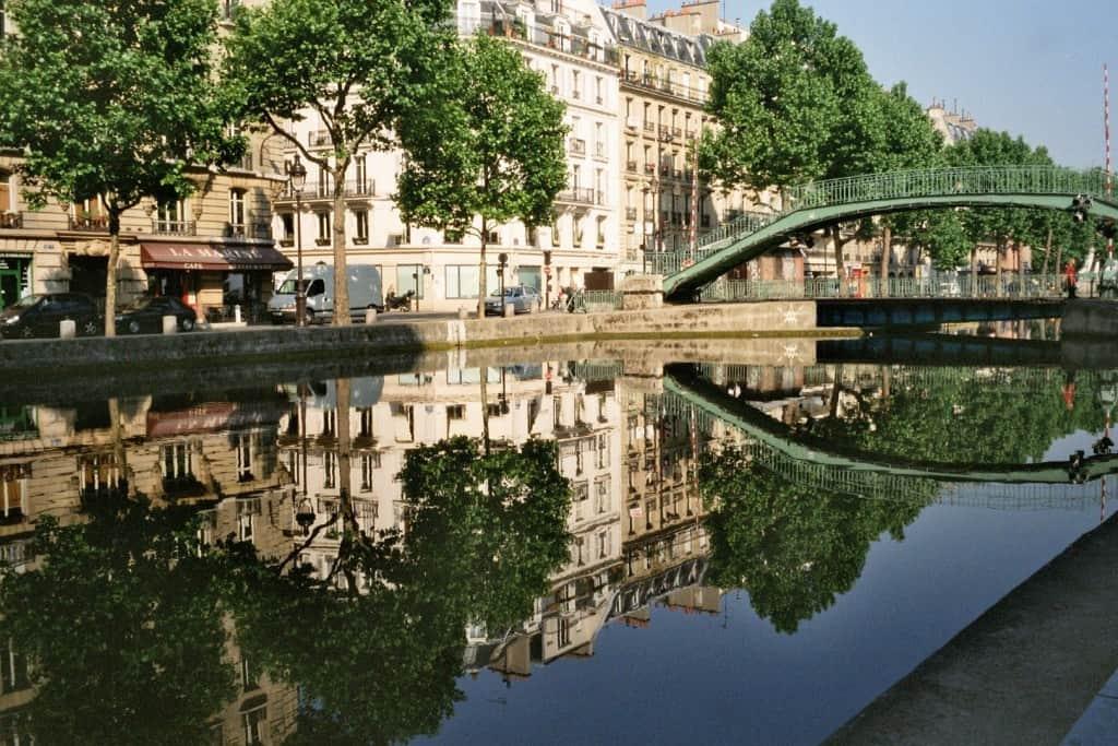 20 secret places you need to visit in paris. Black Bedroom Furniture Sets. Home Design Ideas