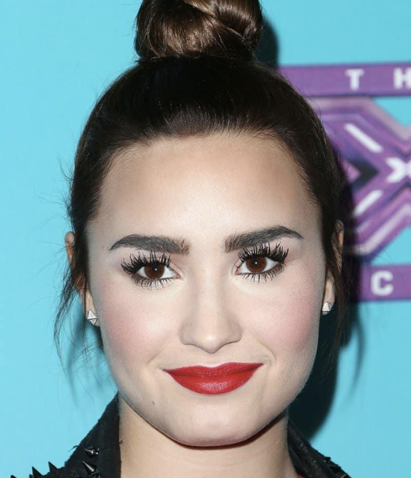 15 Biggest Celebrity Makeup Fails Ever