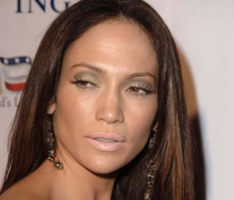 15-biggest-celebrity-makeup-fails-ever-3