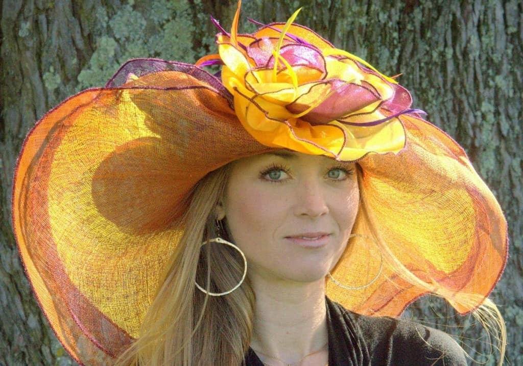 It may be tradition to wear a big hat to the Kentucky Derby 64aa53305896