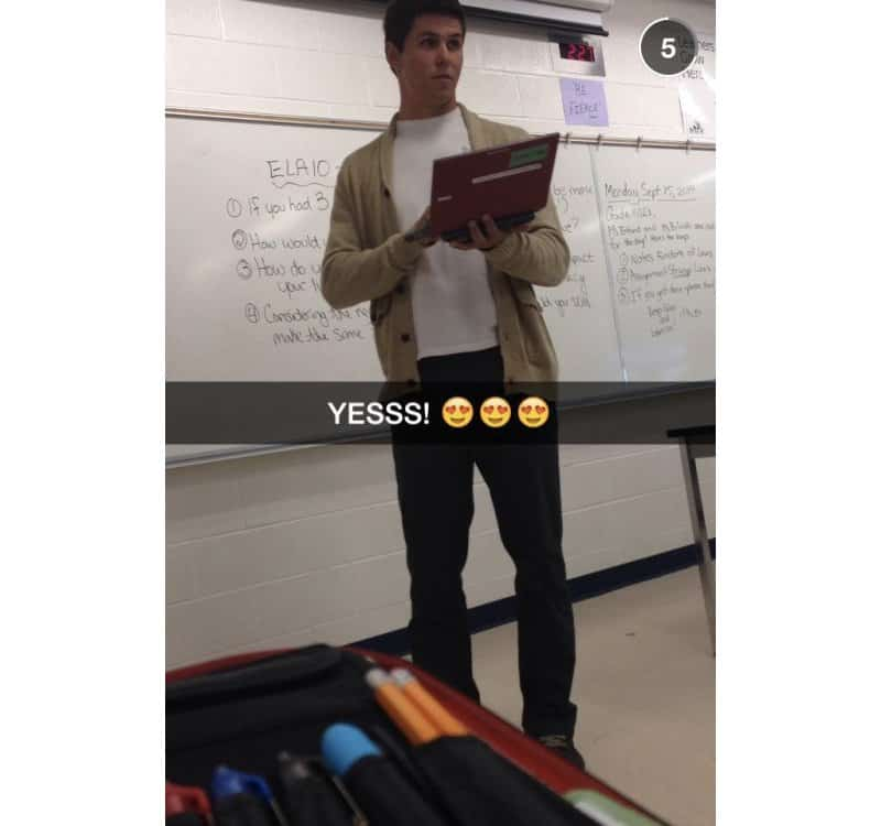 15 Of The Hottest Male Teachers That Will Make You Beg For -2735
