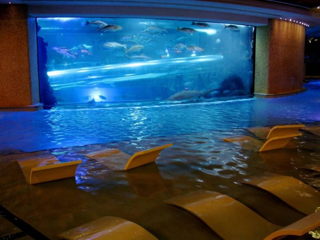 Fischgrätenartig Rausch Slots Casino inferno