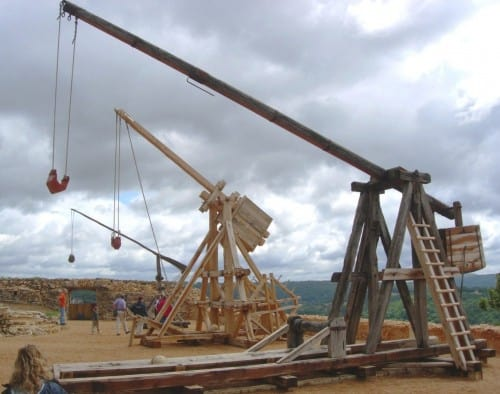 10 Mind Shattering Medieval Weaponry Used Throughout History