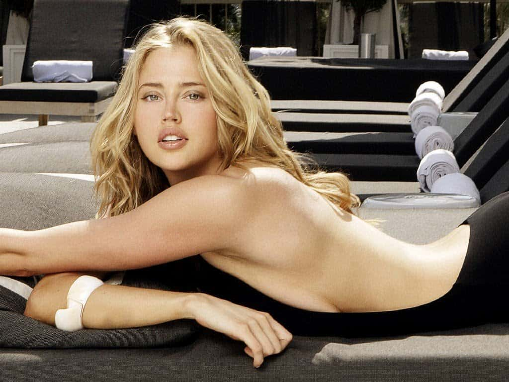 10 Hottest Women Who Maxim Named Sexiest Woman Of The Year-4945