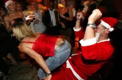 10 Of The Funniest Santa Fails