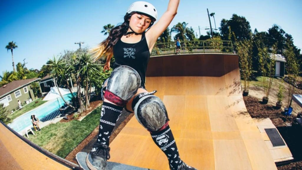10 Of The Hottest Female Pro Skateboarders-5023