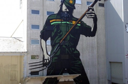 10 Awesome Pieces Of Street Art