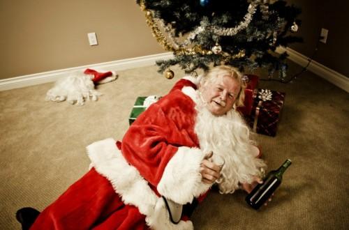 10 Bizarre Holiday Stock Photos That Make Christmas Look Weird