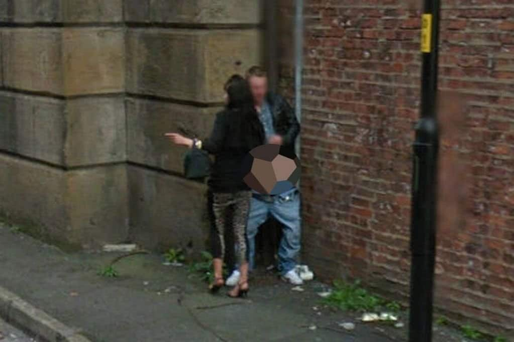 10 Embarrassing Images Caught On Google Street View-8946