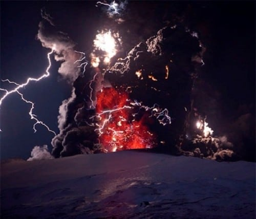 10 Amazing Pictures That Showcase Nature's Destructive Powers