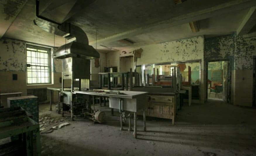 The Modern Asylum >> 10 Terrifying Abandoned Hospitals And Asylums That Will Give You The