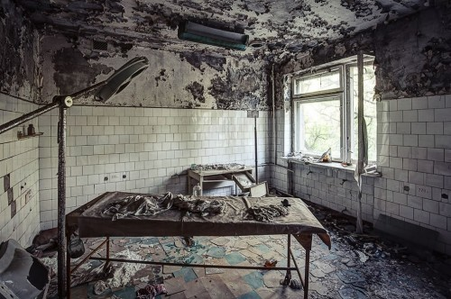 10 Terrifying Abandoned Hospitals And Asylums That Will Give You The Chills