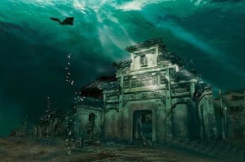 20 Hidden Secrets Of The Deep Blue Sea