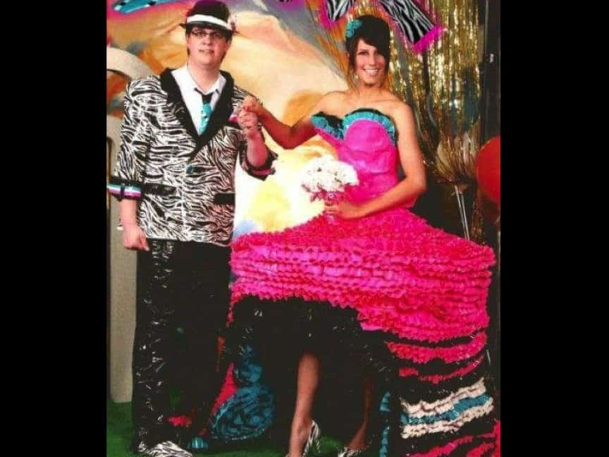 b981c8ce6b 20 Of The Ugliest Prom Outfits You ve Ever Seen