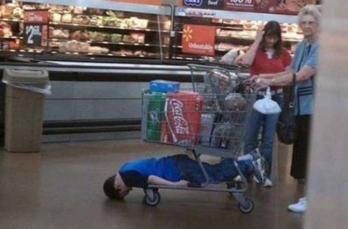 10 Hilarious Photos That Show How Shopping With Kids Is An Uphill Battle
