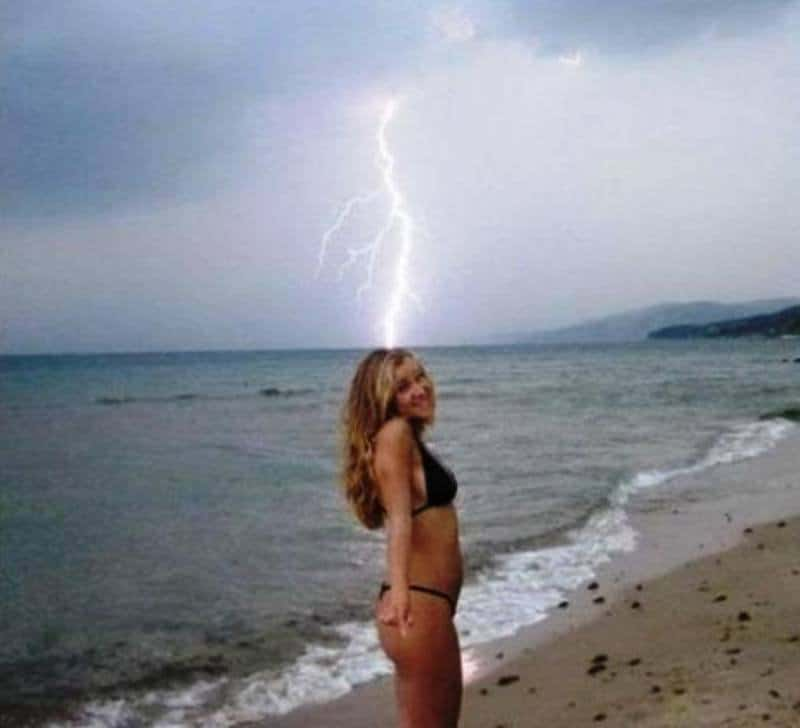 10 of the funniest perfectly timed photos 2 - 30+ funny timed photos