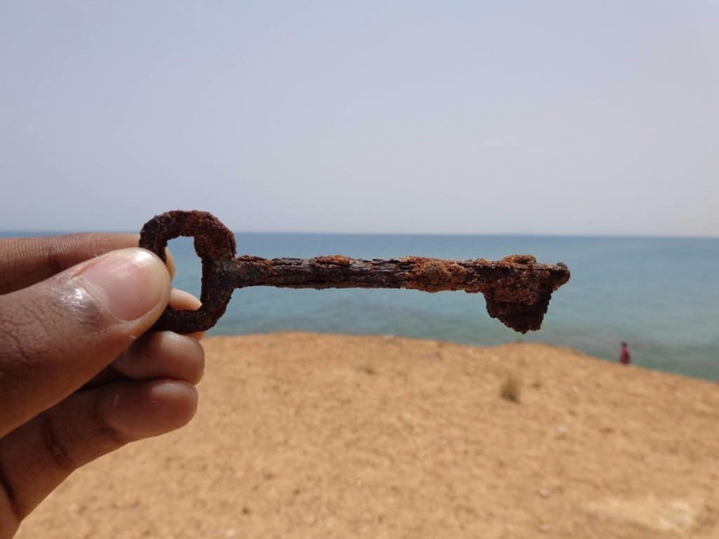 10 Shocking And Bizarre Things People Have Found At The Beach