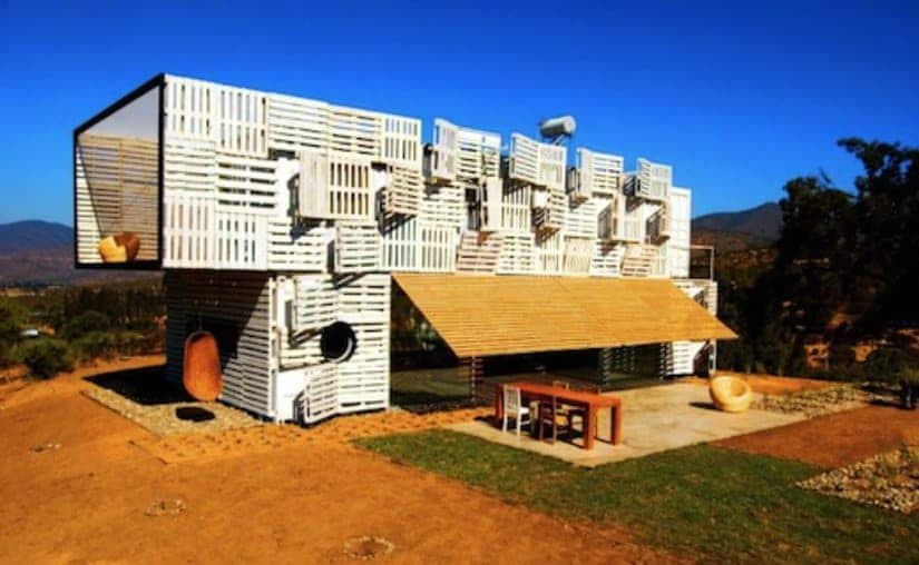 Designed To Be An Affordable Solution For Disaster Relief Housing, The  Wood Pallet Homes Are Not Only Eco Friendly, But Can Be Designed To Be Used  As A ...