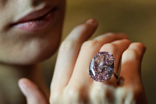 10 Most Expensive Pieces Of Jewelry In The World