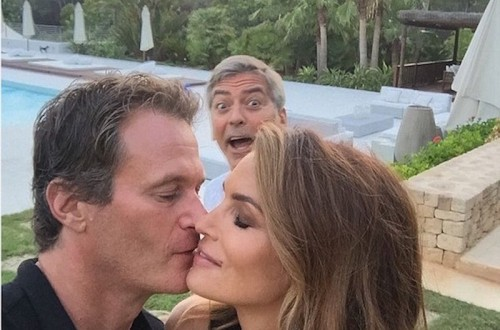 10 Of The Best Celebrity Photobombs