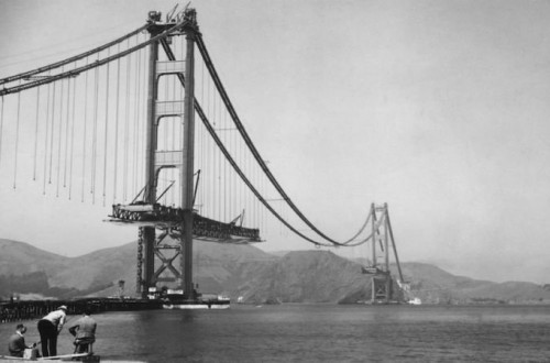 10 Photos Of Iconic Landmarks Before They Were Completed