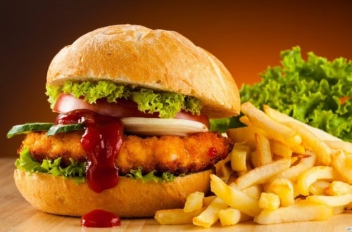 10 Ridiculous Myths You Believe About Fast Food