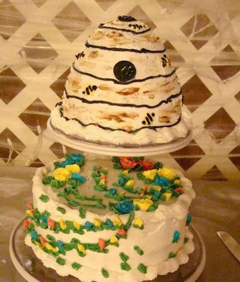 10 Hilarious Wedding Cake Fails