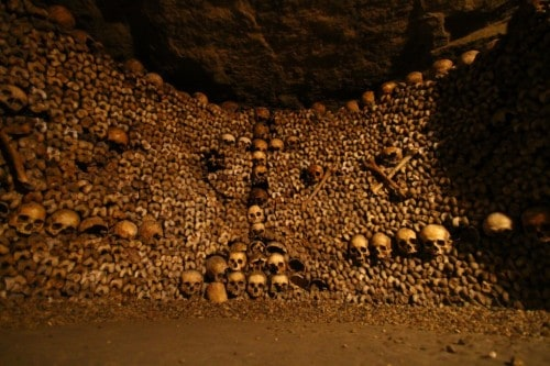 10 Spooky Pictures Of The Parisian Catacombs
